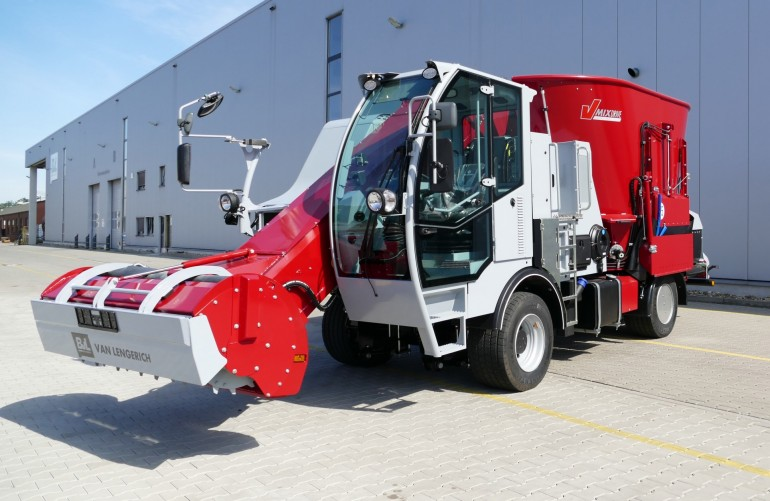 BvL Feed mixer - self-propelled
